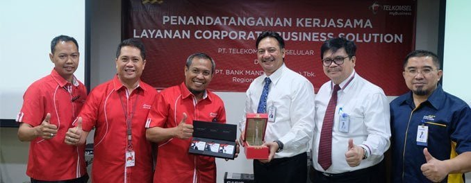 Telkomsel-Bank-Mandiri
