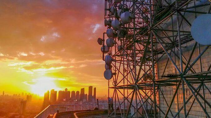 trafik data Indosat naik
