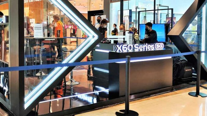 X60 Series 5G Pop-Up Store